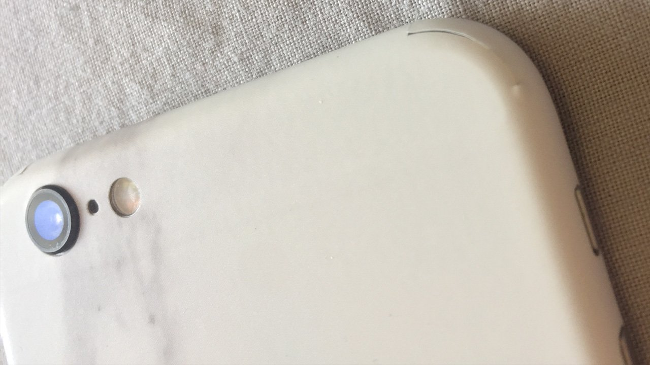 dbrand skin review showing corners overlapping and gaps